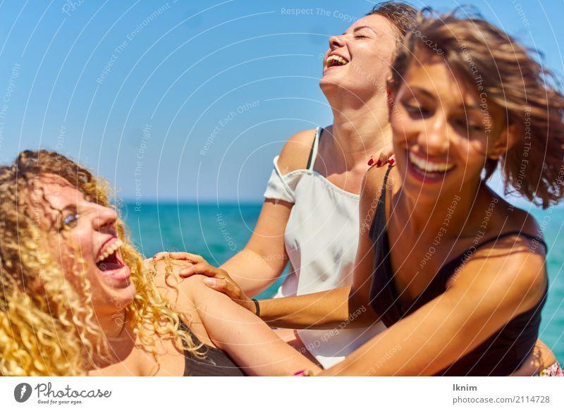 Sommerlachen Lifestyle Ferien & Urlaub & Reisen Tourismus Ausflug Abenteuer Freiheit Sommerurlaub Sonne Meer feminin Junge Frau Jugendliche Freundschaft Leben 3