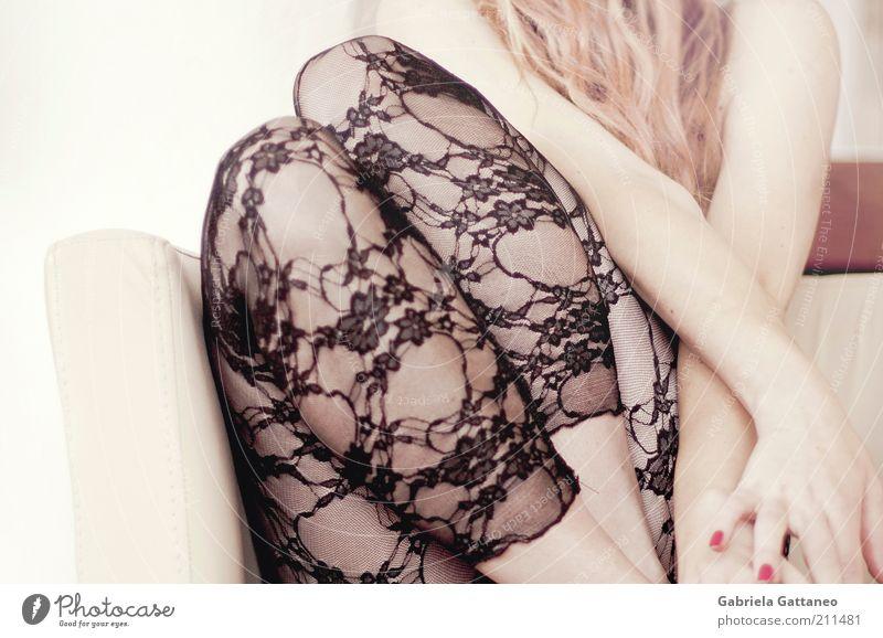 she swears in Beautiful feminin Junge Frau Jugendliche Haut Haare & Frisuren Beine 1 Mensch Mode Strümpfe blond langhaarig schön Erotik wild gold schwarz Lust