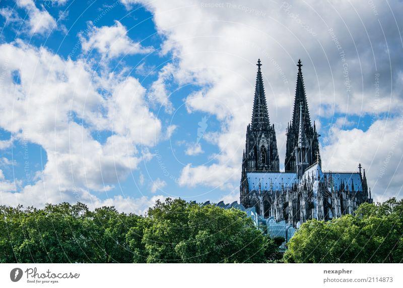 Kölner Dom Ferien & Urlaub & Reisen Tourismus Gebäude Architektur Sehenswürdigkeit Wahrzeichen Denkmal bauen alt außergewöhnlich fantastisch Originalität retro