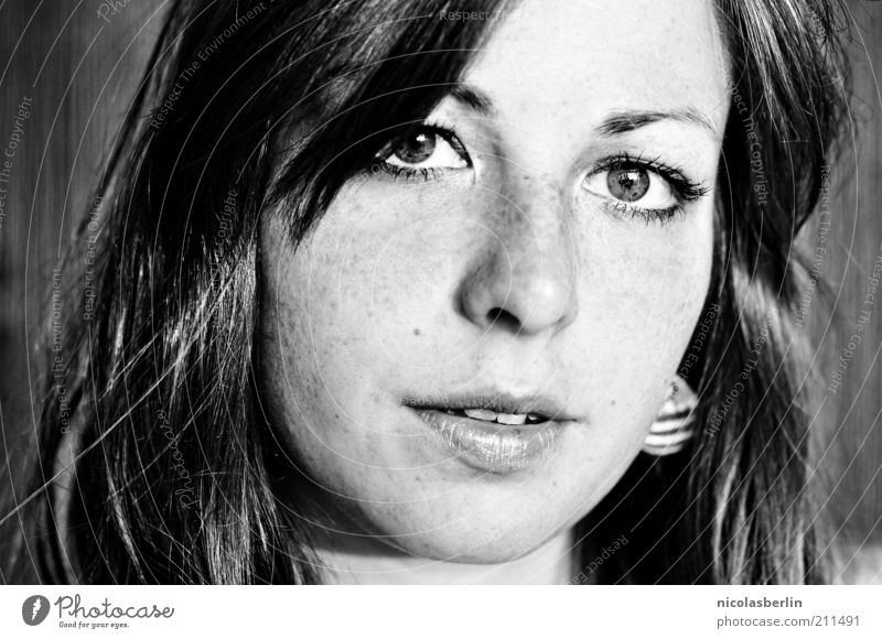 Montags Portrait 06 - Abschied schön Haare & Frisuren Gesicht Leben feminin Junge Frau Jugendliche Erwachsene 1 Mensch brünett Freundlichkeit natürlich Gefühle