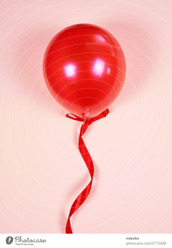 Roter Ballon auf einem roten Band Freude Dekoration & Verzierung Feste & Feiern Geburtstag Spielzeug Luftballon Schnur rosa Überraschung Farbe Gummi Jahrestag