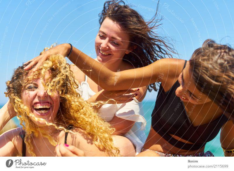 Sommerlachen Gesundheit Leben Ferien & Urlaub & Reisen Tourismus Ausflug Abenteuer Sommerurlaub feminin Junge Frau Jugendliche Freundschaft 3 Mensch 18-30 Jahre