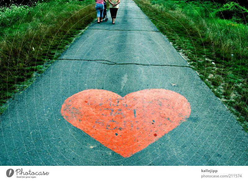 street view Mensch Frau rot Farbe Erwachsene Erholung Liebe Wiese Straße Graffiti Leben Wege & Pfade Beine Familie & Verwandtschaft Freundschaft gehen