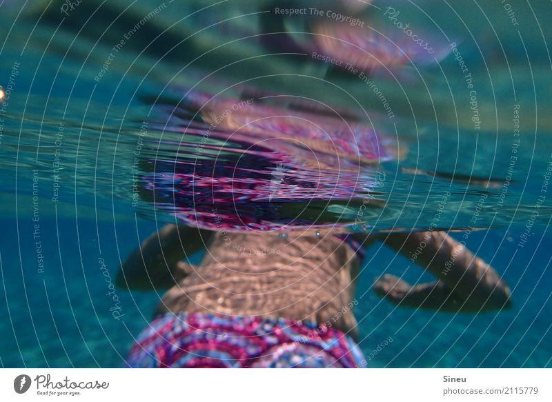 Rettungsring Mensch Frau Ferien & Urlaub & Reisen blau Sommer schön Wasser Meer Erholung Strand Erwachsene Sport feminin Schwimmen & Baden träumen Rücken