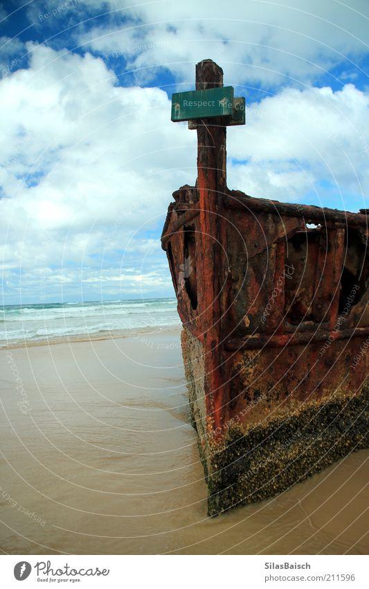Gestrandet alt Meer Strand Wolken dunkel Sand Wasserfahrzeug Küste Wellen Insel gruselig Verfall Rost Bucht Schifffahrt