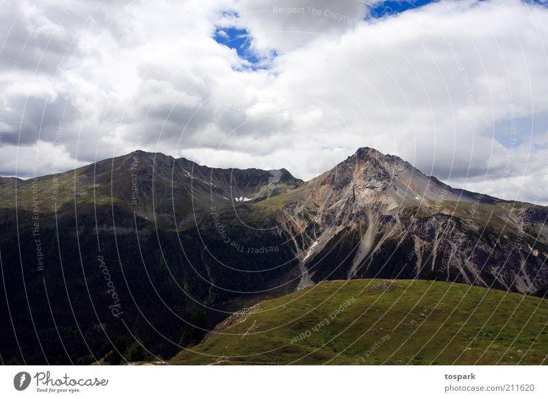 two peaks Natur grün Sommer Ferien & Urlaub & Reisen Wolken Ferne Berge u. Gebirge grau Stein Landschaft Zufriedenheit Umwelt Felsen Ausflug ästhetisch Schweiz