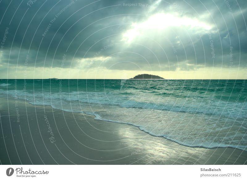 Wolkenloch Strand Ferien & Urlaub & Reisen Meer Ferne Landschaft Küste Regen hell Wellen Wind nass Horizont Ausflug Insel Perspektive