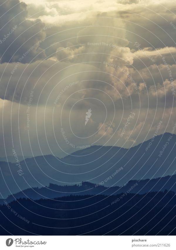 Grüße aus Portugal! Natur Himmel blau Ferien & Urlaub & Reisen Wolken Ferne Berge u. Gebirge Landschaft natürlich Textfreiraum Sonnenaufgang Wolkenhimmel