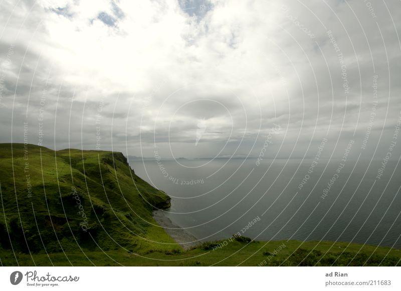 Isle of Skye Wolken Hügel Küste Meer glänzend Farbfoto Grünfläche Wolkenhimmel natürlich Regenwolken Bucht Sonnenlicht Menschenleer