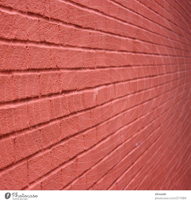 Stein auf Stein Maurerhandwerk Baustelle Haus Bauwerk Architektur Mauer Wand Fassade stark rot Schutz Sicherheit Backstein Farbfoto Außenaufnahme Muster