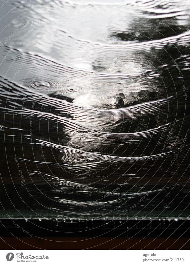 Waves Umwelt Wasser Unwetter Regen Gewitter Bauwerk Veranda Dach Flüssigkeit braun schwarz weiß Sicherheit Bewegung Schutz Reflexion & Spiegelung Tropfen