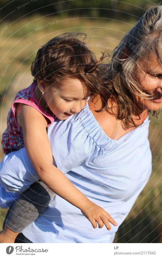 Schau einfach Mensch Kind Frau Ferien & Urlaub & Reisen Freude Erwachsene Leben Liebe Gefühle Senior feminin Familie & Verwandtschaft Spielen Freizeit & Hobby