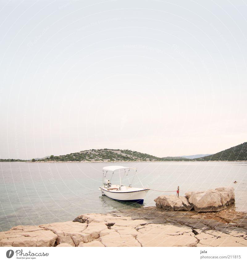 rent a boat Ferien & Urlaub & Reisen Sommer Berge u. Gebirge Landschaft Himmel Hügel Küste Bucht Meer Insel Kroatien Bootsfahrt Motorboot Freude Farbfoto