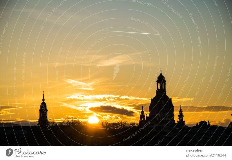 Silhouette Frauenkirche Himmel Sonne Sonnenaufgang Sonnenuntergang Sonnenlicht Schönes Wetter Dresden Stadtzentrum Kirche Dom Sehenswürdigkeit Wahrzeichen