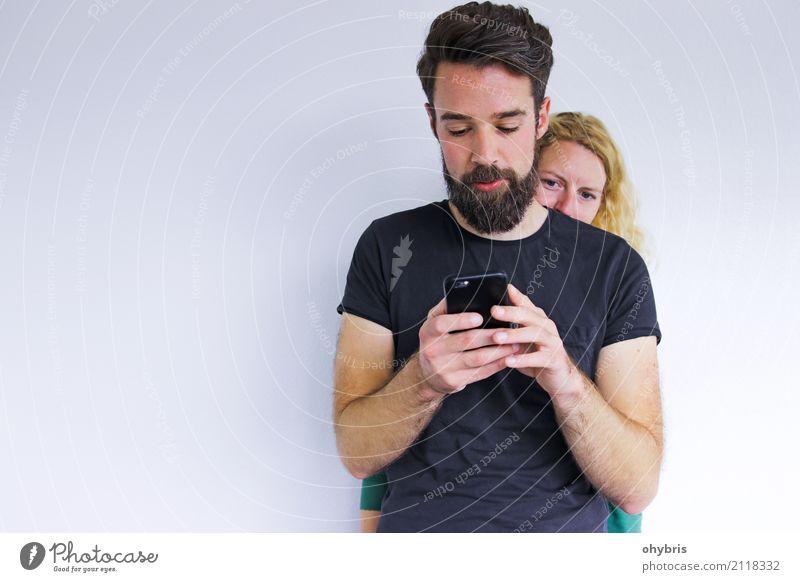 Was du nicht weißt … Mensch maskulin feminin Frau Erwachsene Mann Paar Hand 2 18-30 Jahre Jugendliche Medien Printmedien Neue Medien Internet E-Mail