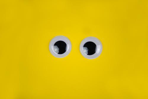 Große Augen Mensch Leben gelb Hintergrundbild Kunst Angst offen Kommunizieren groß kaufen beobachten Überraschung Wachsamkeit Sinnesorgane