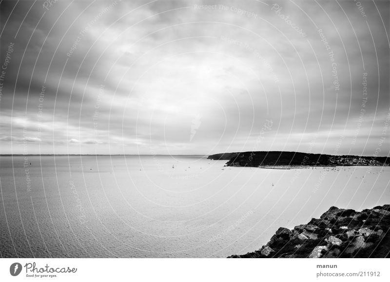 Morgat Ferien & Urlaub & Reisen Tourismus Ausflug Ferne Freiheit Sightseeing Natur Landschaft Hügel Felsen Küste Bucht Riff Meer Insel Einsamkeit einzigartig
