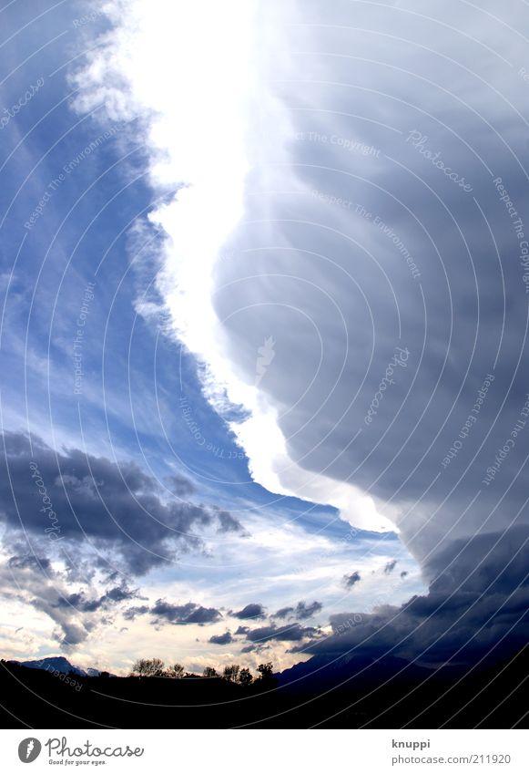 wolkig Natur Himmel weiß Baum blau Sommer Ferien & Urlaub & Reisen schwarz Wolken Berge u. Gebirge grau Regen Landschaft Luft Wetter Umwelt