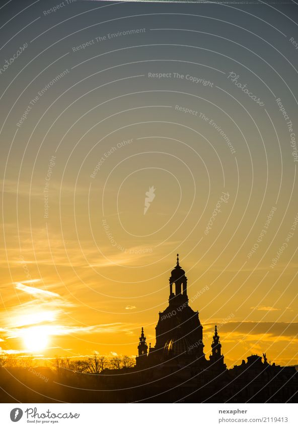 Silhouette Frauenkirche Kultur Himmel Sonne Sonnenaufgang Sonnenuntergang Sonnenlicht Schönes Wetter Dresden Kirche Dom Sehenswürdigkeit Wahrzeichen Denkmal
