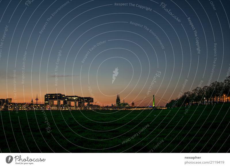 Cologne Skyline at night Ferien & Urlaub & Reisen Tourismus Ausflug Sightseeing Städtereise Nachtleben Umwelt Himmel Wolkenloser Himmel Frühling Sommer