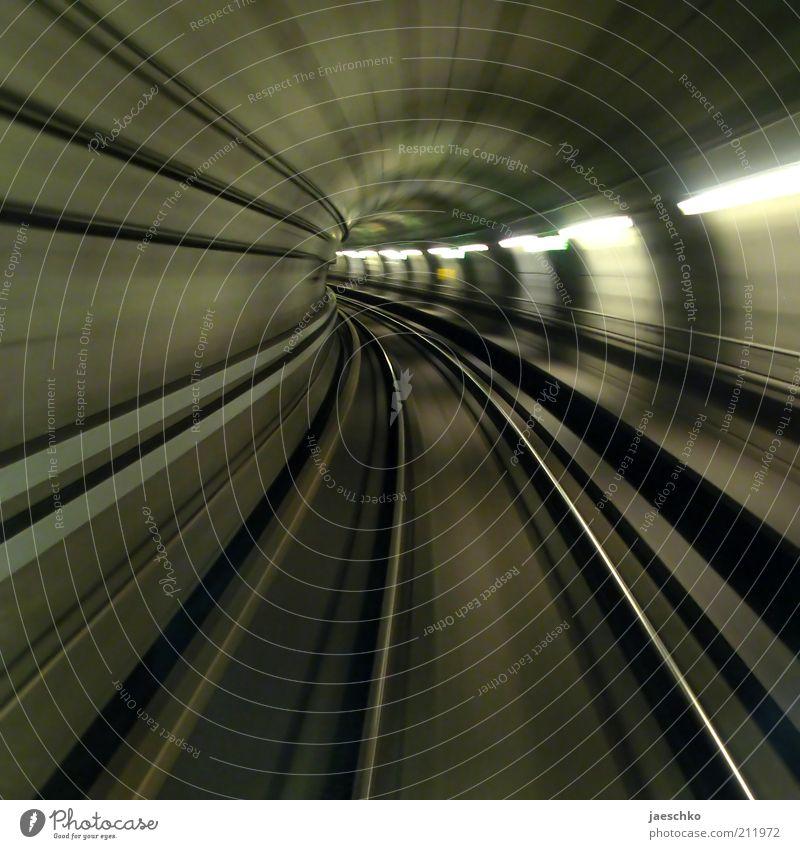 swoosh Linie Verkehr Geschwindigkeit Zukunft Ziel fantastisch vorwärts Gleise Tunnel U-Bahn Dynamik Mobilität Verkehrswege Surrealismus Richtung Bewegungsunschärfe