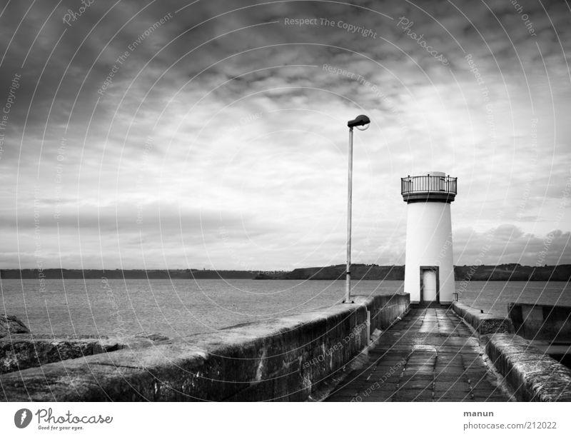 Stehlampe Wasser Meer Ferien & Urlaub & Reisen Ferne Landschaft Architektur Küste Horizont Ausflug Tourismus Turm Bauwerk Laterne Bucht Steg