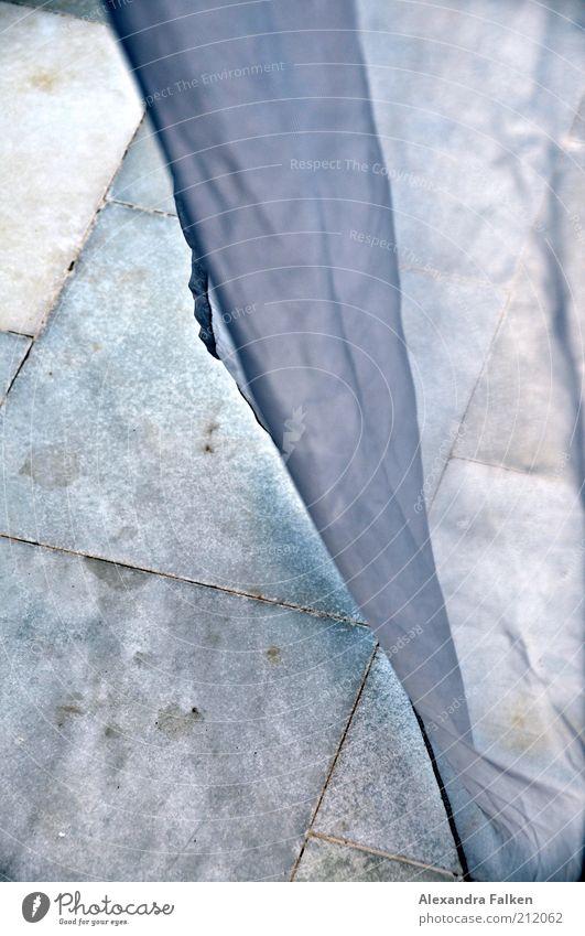 Es weht II Fliesen u. Kacheln Vorhang durchsichtig hängen Terrasse Fleck Gardine wehen Maserung Textfreiraum luftig Windzug hauchen Gaze Marmorboden