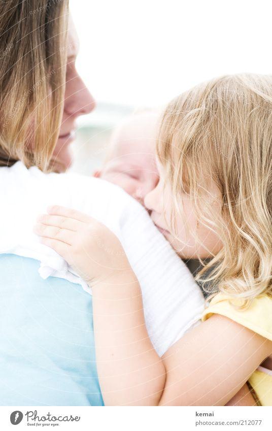 Lieb haben Frau Mensch Kind Hand Mädchen Erwachsene Gesicht Liebe feminin Leben Junge Kopf Haare & Frisuren Familie & Verwandtschaft Kindheit blond