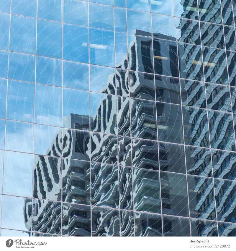 Linientreu Wien Hauptstadt Stadtzentrum Haus Hochhaus Bauwerk Gebäude Architektur Fassade eckig modern neu ästhetisch Business Ordnung Perspektive Büro