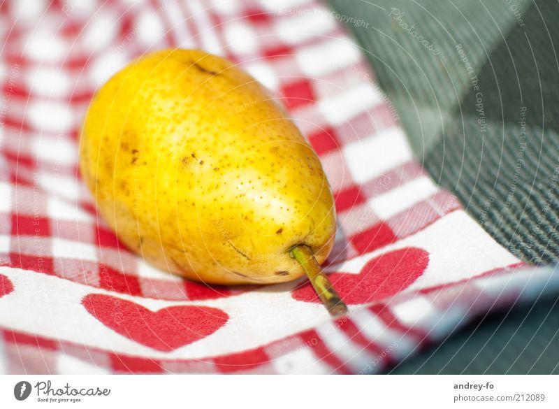 Birne Natur rot Pflanze gelb Herbst braun Gesundheit Frucht Herz liegen frisch Stoff Gesunde Ernährung lecker Bioprodukte Picknick
