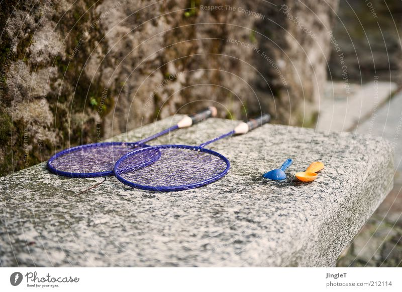 Spielbank Sommer Wand Spielen Mauer Stein Stimmung Freizeit & Hobby warten Europa Hoffnung Italien Glaube Dorf Optimismus Badminton Tennisschläger