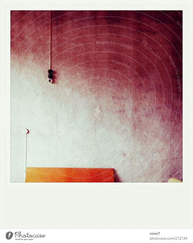 Melancholie Innenarchitektur Dekoration & Verzierung Möbel Raum Mauer Wand Fassade Stein Holz Zeichen alt authentisch dunkel eckig einfach Ordnung Perspektive