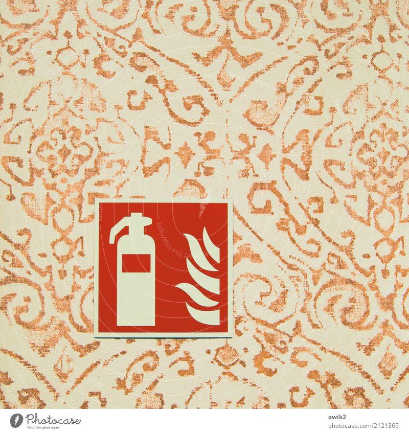 Firewall Mauer Wand Tapete Tapetenmuster Piktogramm Kunststoff Zeichen Feuerlöscher einfach retro gelb orange rot Verantwortung Wachsamkeit gefährlich Kontrolle