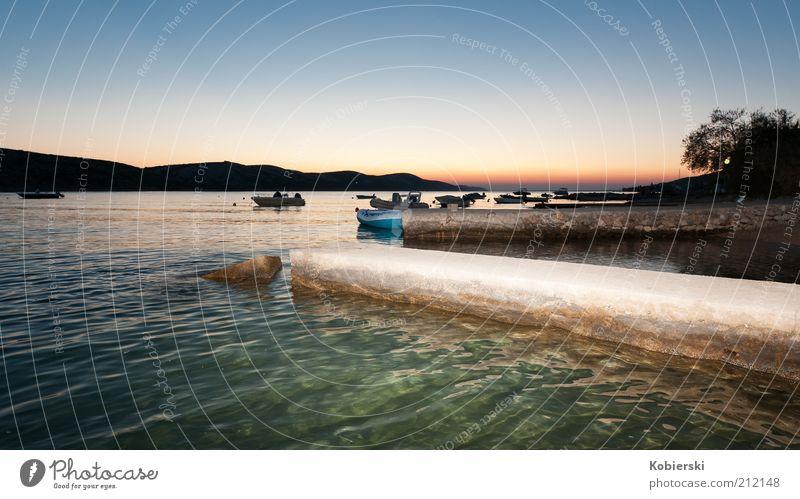 Insel Pag Wasser Sommer Ferien & Urlaub & Reisen ruhig Wärme Zufriedenheit Küste nass Horizont Insel Tourismus Idylle Hügel Gelassenheit Wasserfahrzeug Fischerboot