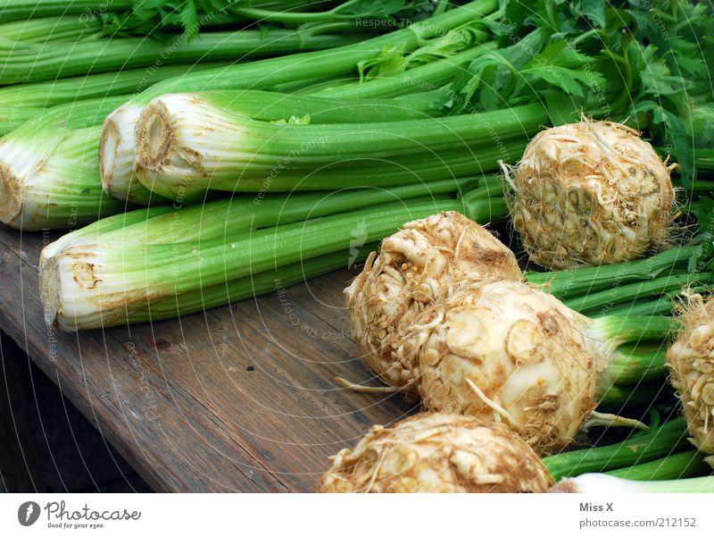 Ekelgemüse Lebensmittel Gemüse Ernährung Bioprodukte Vegetarische Ernährung Nutzpflanze frisch lecker Gesundheit Gesunde Ernährung Sellerie Wochenmarkt