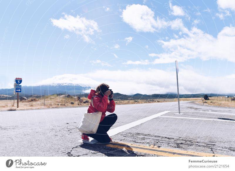 Roadtrip West Coast USA (265) feminin Junge Frau Jugendliche Erwachsene 1 Mensch 18-30 Jahre 30-45 Jahre Abenteuer Westküste Straße Verkehr Verkehrswege