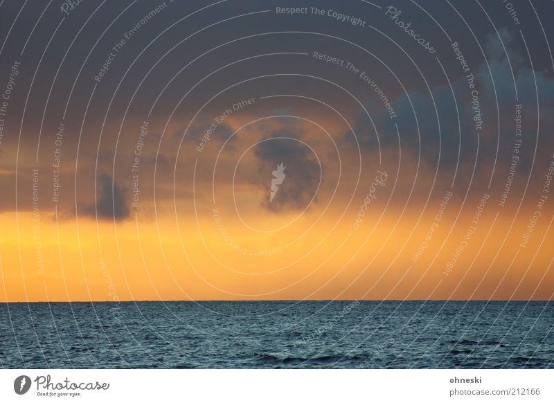 Abend Wasser Himmel Wolken Sonnenaufgang Sonnenuntergang Sonnenlicht Sommer Wetter Meer schön Stimmung Ferne Farbfoto Dämmerung Menschenleer Wolkenhimmel