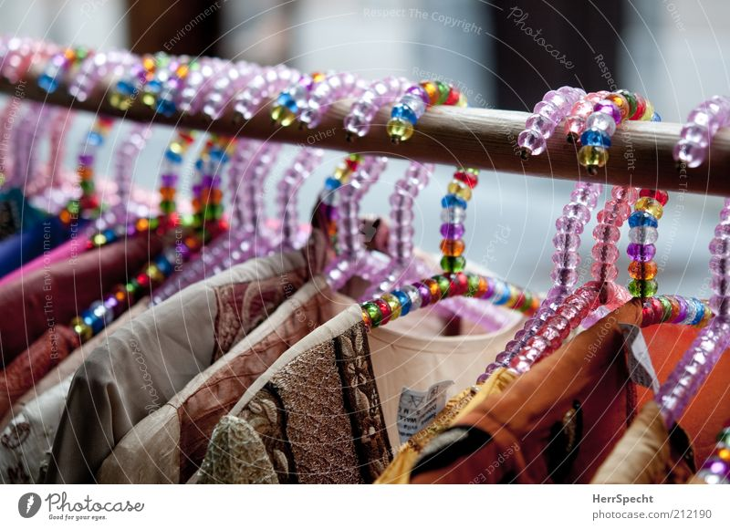 Mädchenbügel Mode Bekleidung mehrere außergewöhnlich mehrfarbig viele Handel verkaufen Perle Kleiderbügel Licht Kleiderständer Kunststoffperle