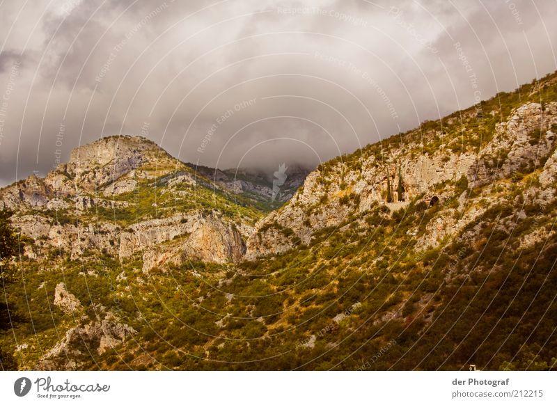 Over the hills and far away Landschaft Wolken Felsen Berge u. Gebirge Farbfoto Außenaufnahme Menschenleer Textfreiraum oben Dämmerung Panorama (Aussicht)
