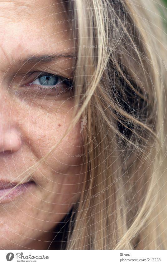 Meine bessere Hälfte Frau blau Gesicht Erwachsene Auge Haare & Frisuren Zufriedenheit blond Mund Nase Lächeln brünett langhaarig Anschnitt 30-45 Jahre Mensch
