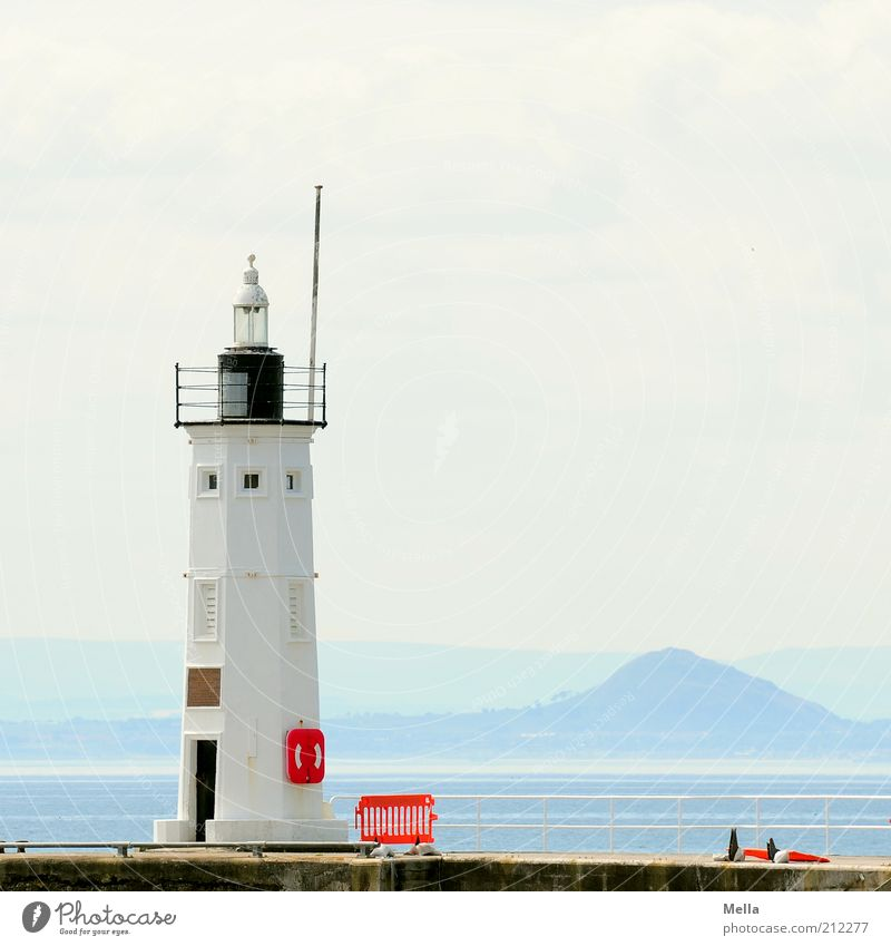 Es war ein schöner Tag, Wasser weiß Meer blau Sommer Ferien & Urlaub & Reisen ruhig Ferne Gebäude Landschaft Stimmung hell Küste Umwelt Ausflug Insel