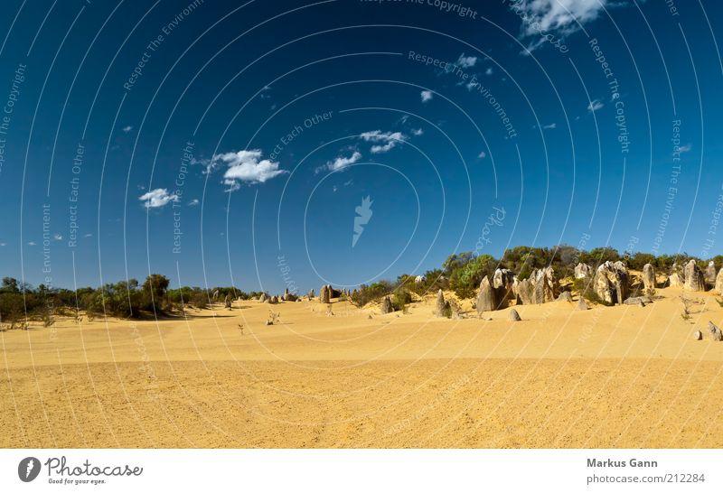 Wüste Natur Himmel blau Ferien & Urlaub & Reisen Wolken Ferne gelb Stein Sand Landschaft Felsen Sträucher Klima trocken