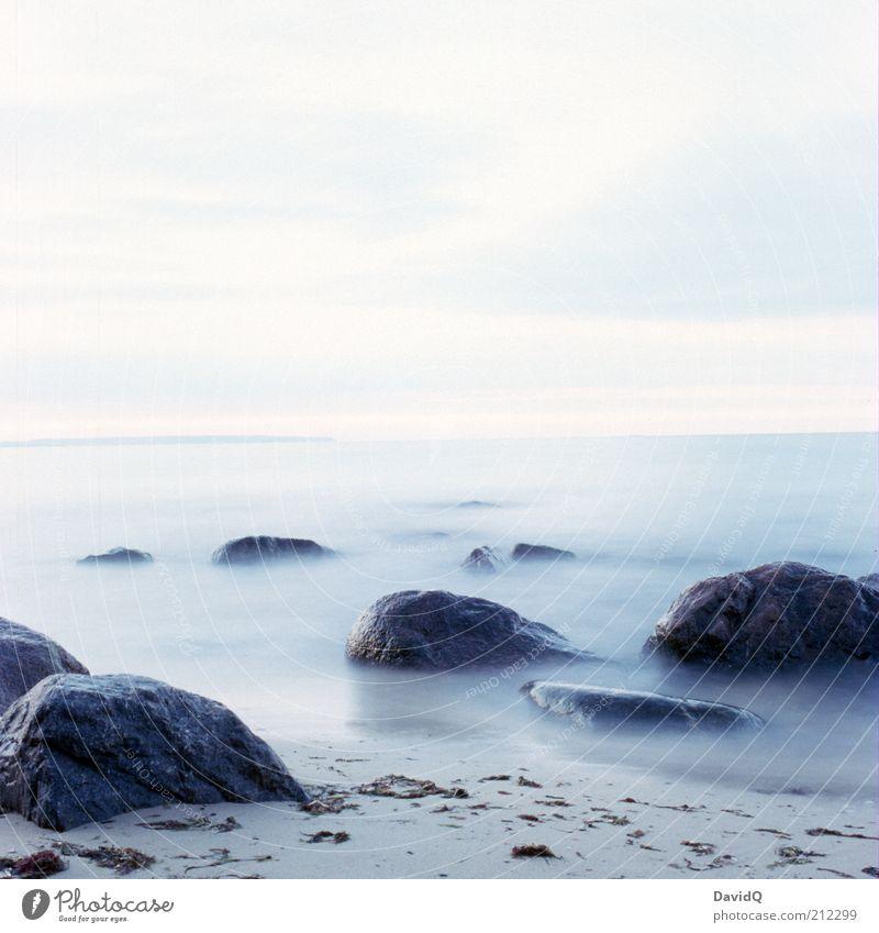 stillstand Umwelt Natur Himmel Küste Strand Ostsee Gelassenheit ruhig Surrealismus Wellen Horizont Rügen Farbfoto Außenaufnahme Menschenleer Textfreiraum oben