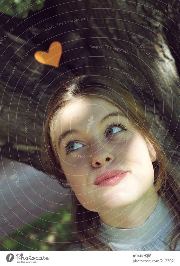 in love. Junge Frau Jugendliche Erwachsene Liebe Lust Verliebtheit Herz Wunsch Wunschtraum Wunschvorstellung verträumt Frühlingsgefühle Gedanke unaufmerksam