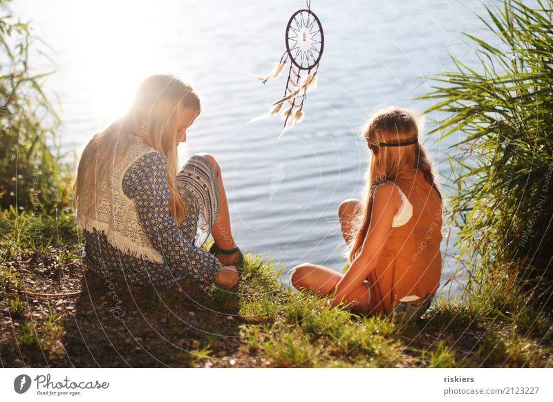 """""""indian summer"""" Mensch feminin Kind Mädchen Geschwister Familie & Verwandtschaft Kindheit 2 3-8 Jahre Umwelt Natur Sonne Sonnenlicht Sommer Schönes Wetter"""