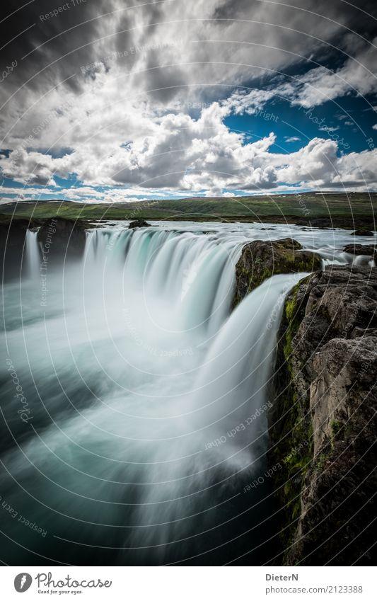 Godafoss Umwelt Natur Landschaft Wasser Himmel Wolken Sommer Wetter Schönes Wetter Felsen Flussufer Bach Wasserfall braun türkis weiß Island Moos