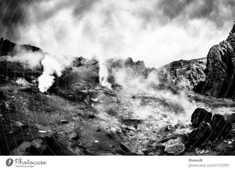 Heiße Quelllen Umwelt Natur Landschaft Urelemente Sand Luft Himmel Wolken Wetter schlechtes Wetter Felsen Berge u. Gebirge grau schwarz weiß Island Quelle