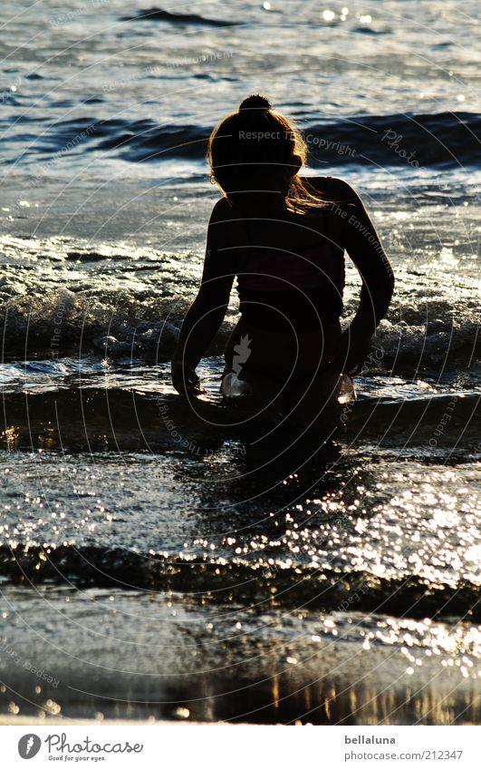 Die kleine Meerjungfrau Mensch Kind Ferien & Urlaub & Reisen Mädchen Sommer Erholung Leben Kopf Haare & Frisuren Kindheit Wellen Arme Schwimmen & Baden einzeln