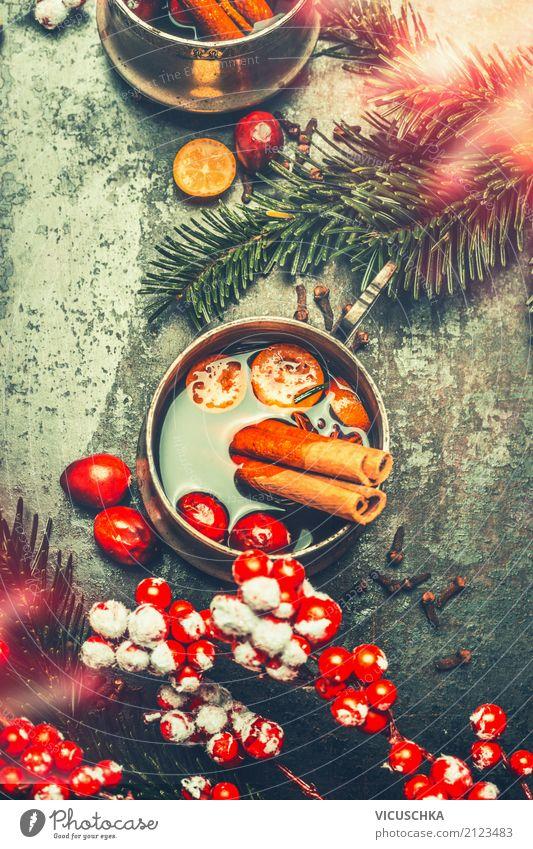 Tasse mit Glühwein und Weihnachtsdekoration Lebensmittel Kräuter & Gewürze Getränk Heißgetränk Stil Design Freude Winter Häusliches Leben Feste & Feiern