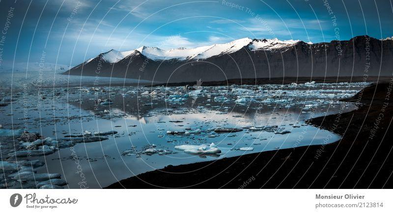 Gletscherlagune Jökulsárlón Umwelt Natur Landschaft Berge u. Gebirge Gipfel Schneebedeckte Gipfel Bucht blau Island Lagune Abenteuer Ferien & Urlaub & Reisen